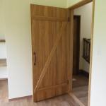 ドアを開けると玄関ホールです。