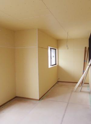 石膏ボードが張り終えた部屋