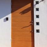 スウェーデン製木製玄関扉