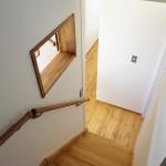 2階からロフトへ続く階段