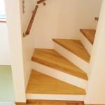 珪藻土×木のリビング階段