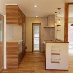 キッチンスペースを真横から見て