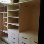 造り付けの造作棚